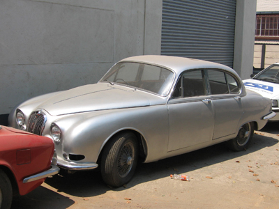 Classic cars in rhodesia for Who owns jaguar motor company