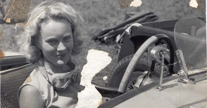 miss and cars - Page 21 Mrs%20Jill%20Annesley%20Rhodesia%20-%20Pic%20MMcDT
